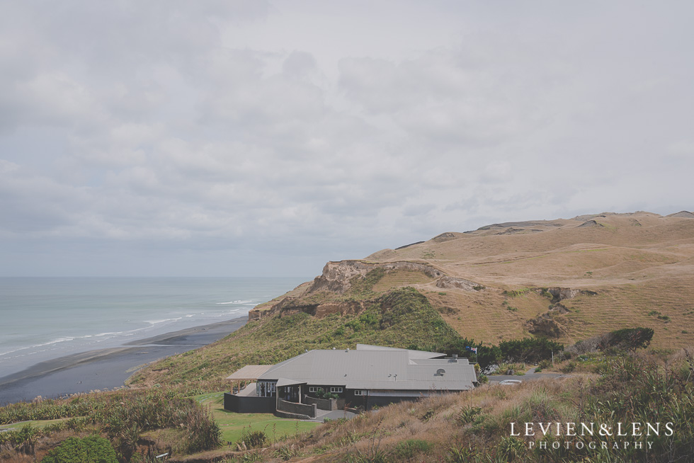 Kariotahi beach Castaways {Auckland lifestyle couples-engagement photographer}