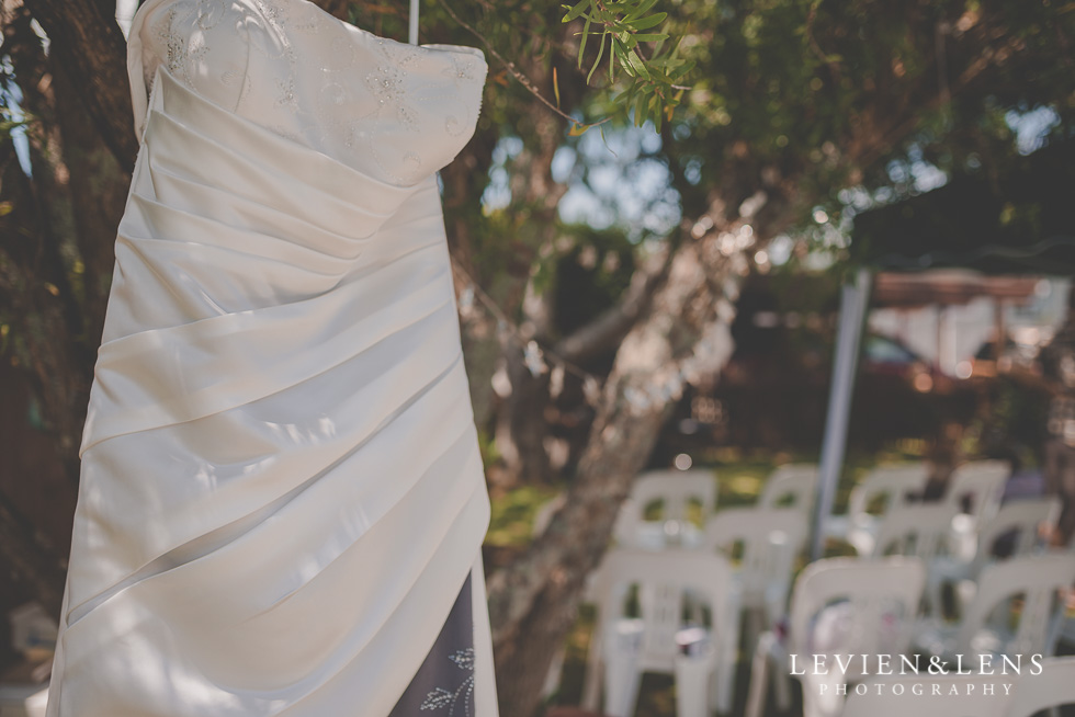 dress getting ready small family garden wedding {Auckland lifestyle couples-engagement photographer}