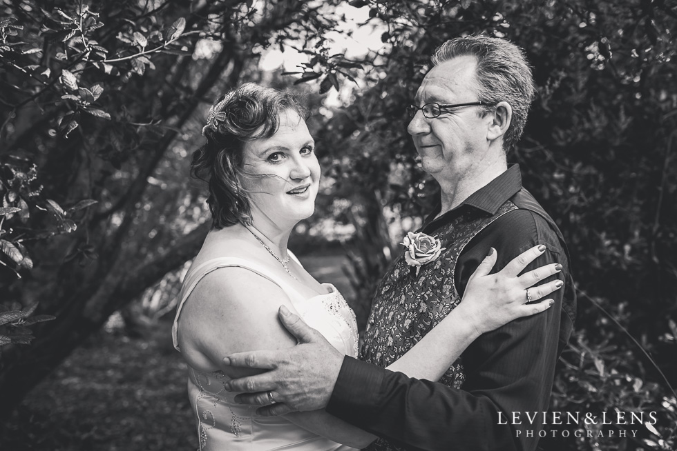 bride and groom wedding Musick Point {Auckland lifestyle couples-engagement photographer}