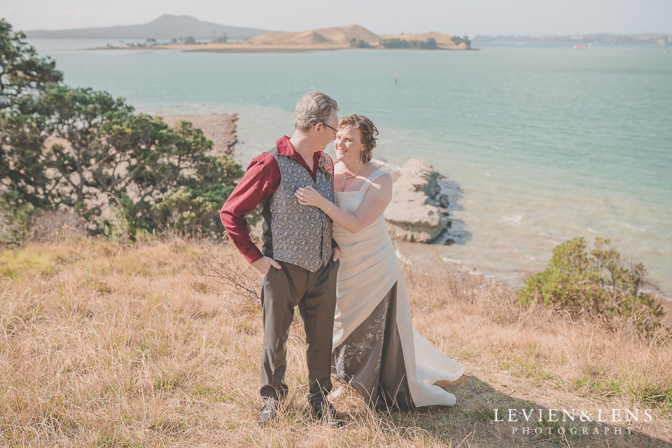 lovely couple Musick Point {Auckland lifestyle wedding-engagement photographer}