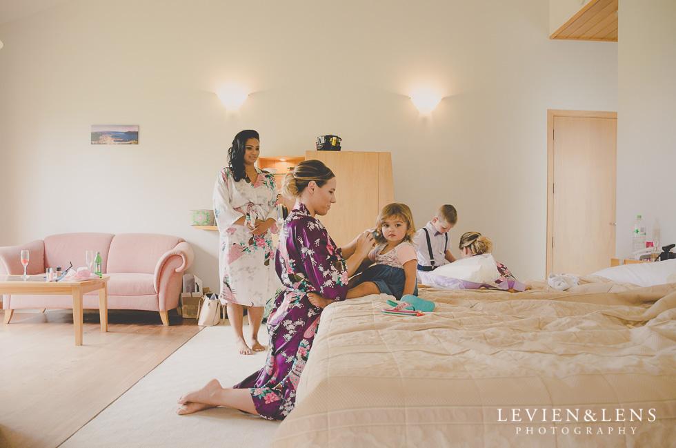 bride getting ready {Auckland-Hamilton-Tauranga lifestyle wedding-couples-engagement photographer}