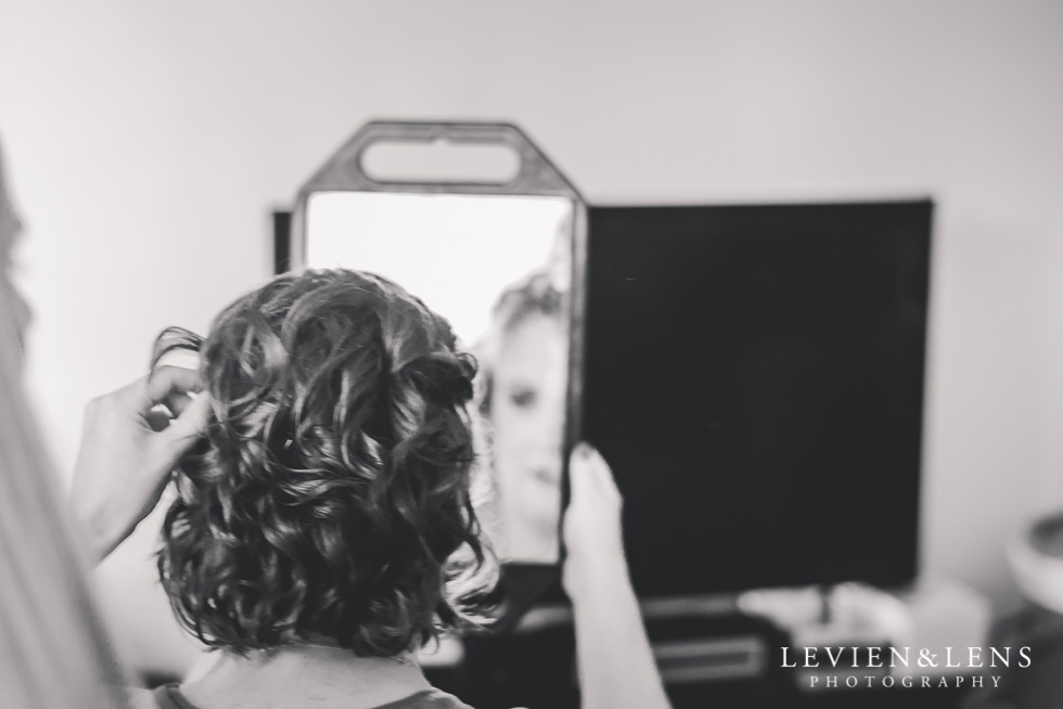 bride getting ready {Auckland-Hamilton-Tauranga lifestyle wedding-couples-engagement photographer}