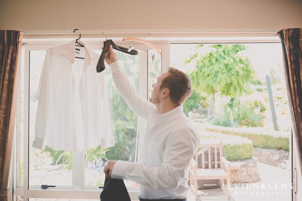 groom getting ready {Tauranga-Bay of Plenty wedding-couples-engagement photographer}