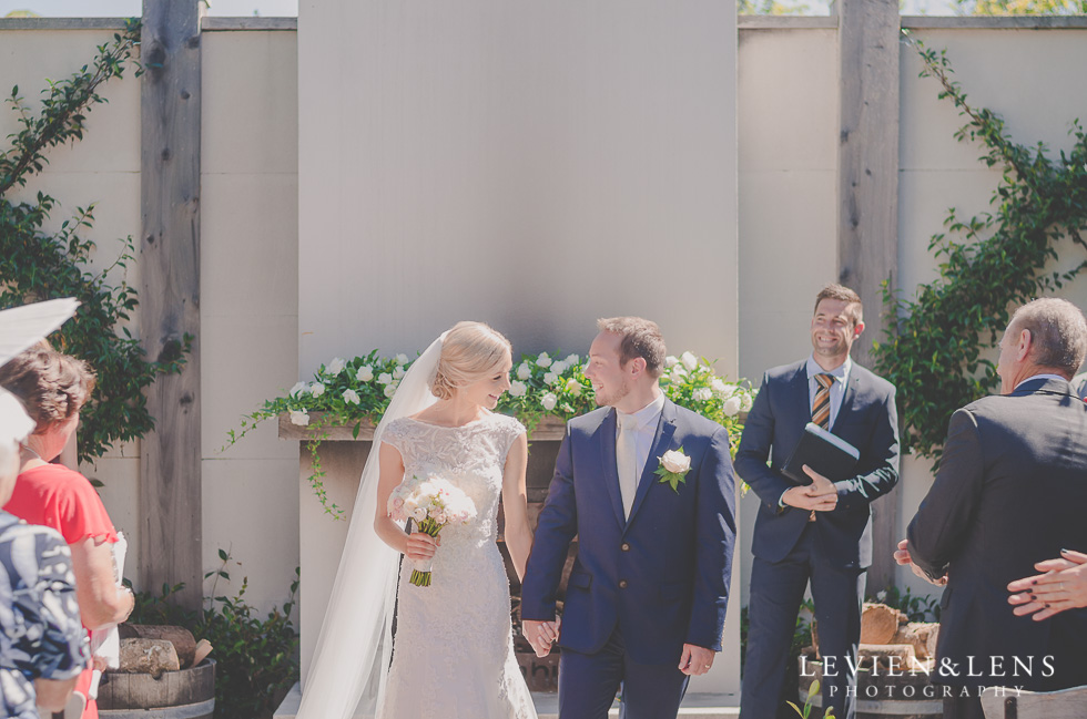 bride and groom {Tauranga-Bay of Plenty wedding-couples-engagement photographer}