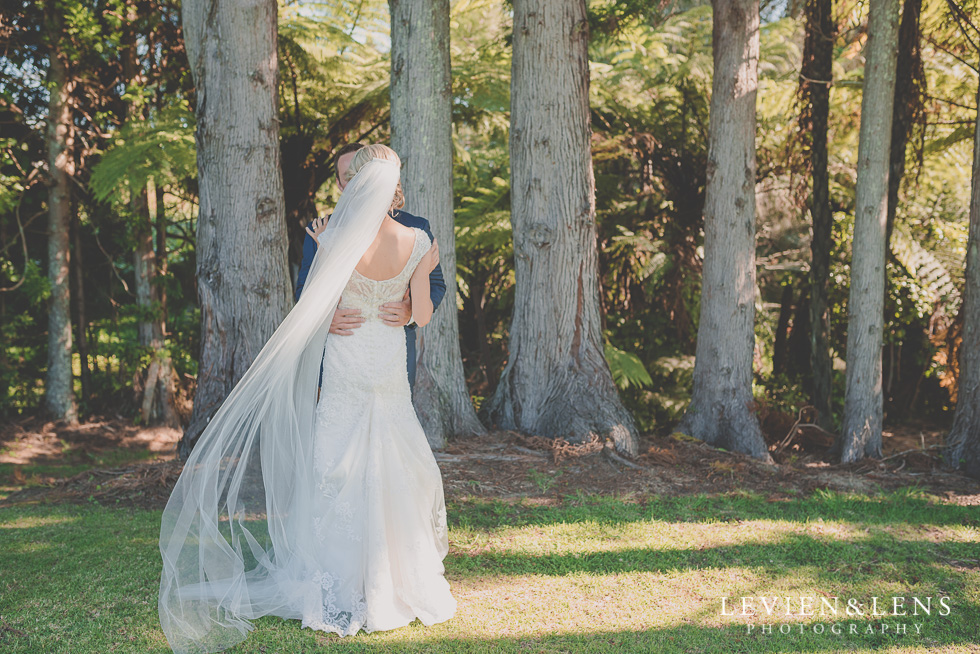 bride and groom Ataahua venue {Tauranga-Bay of Plenty wedding-couples-engagement photographer}