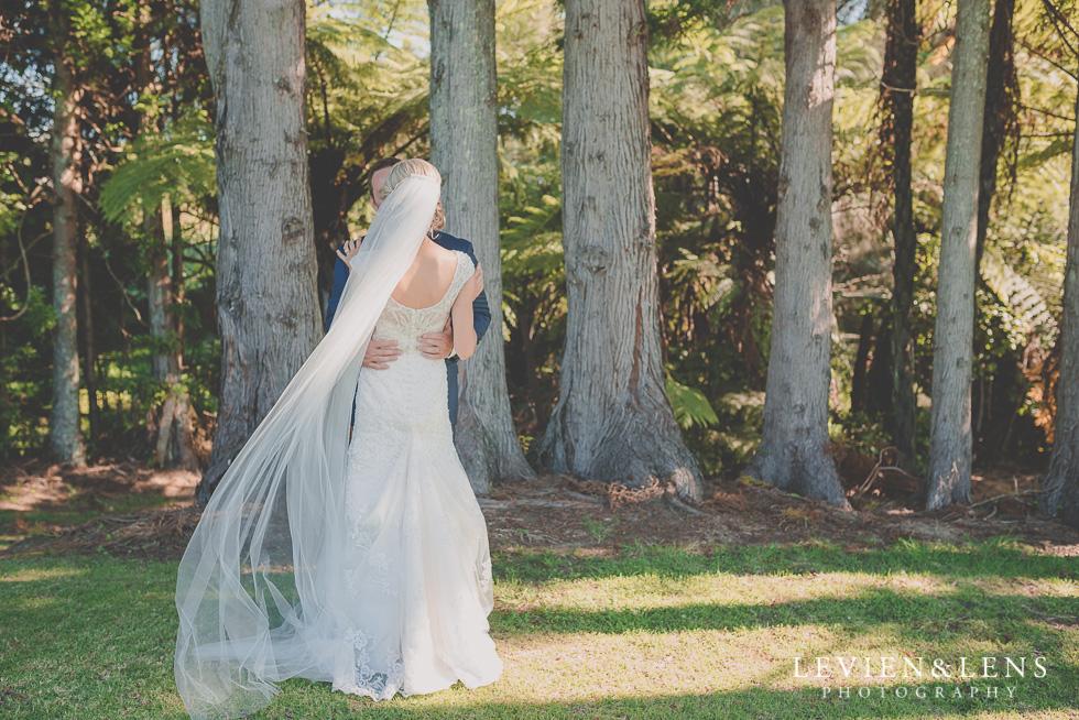 bride and groom Ataahua Garden Venue {Tauranga wedding photographer}