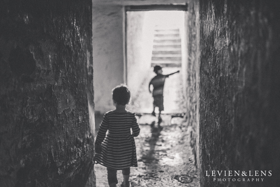 kids in tunnels North Head {Auckland lifestyle wedding photographer}
