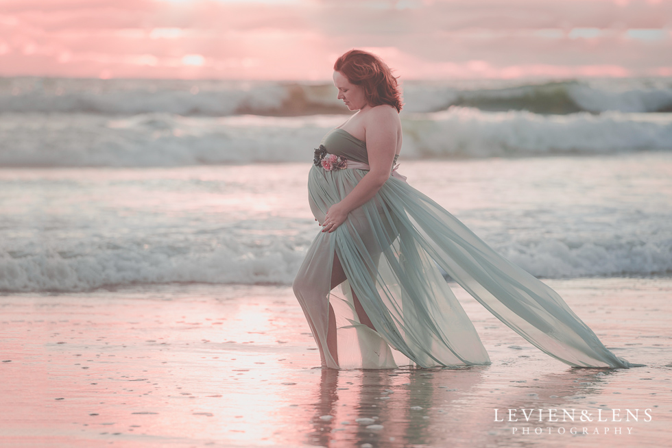 sunset Beach maternity {Auckland-Hamilton-Tauranga lifestyle wedding-couples-engagement photographer}