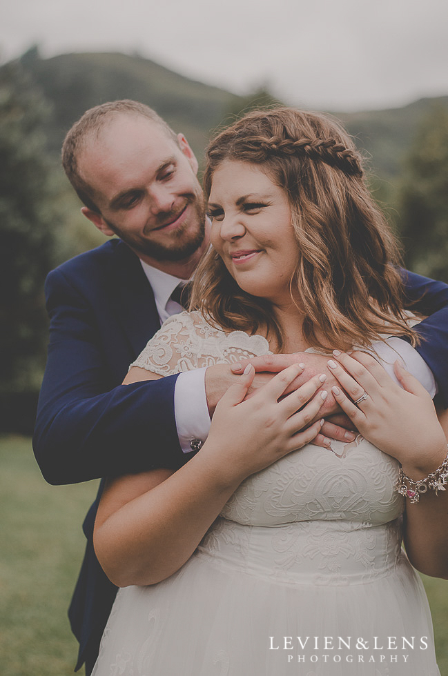 bride and groom intimate moments {Northland-Auckland-Waikato wedding photographer}