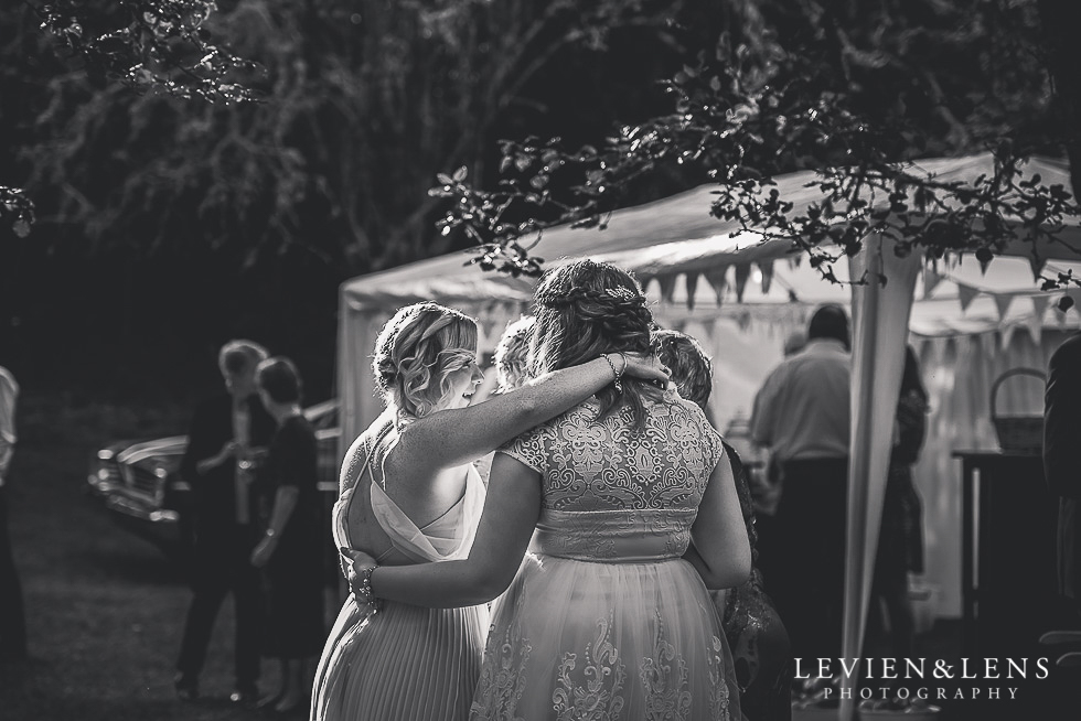 bride and bridesmaids guests {Auckland-Hamilton-Tauranga wedding photographer}