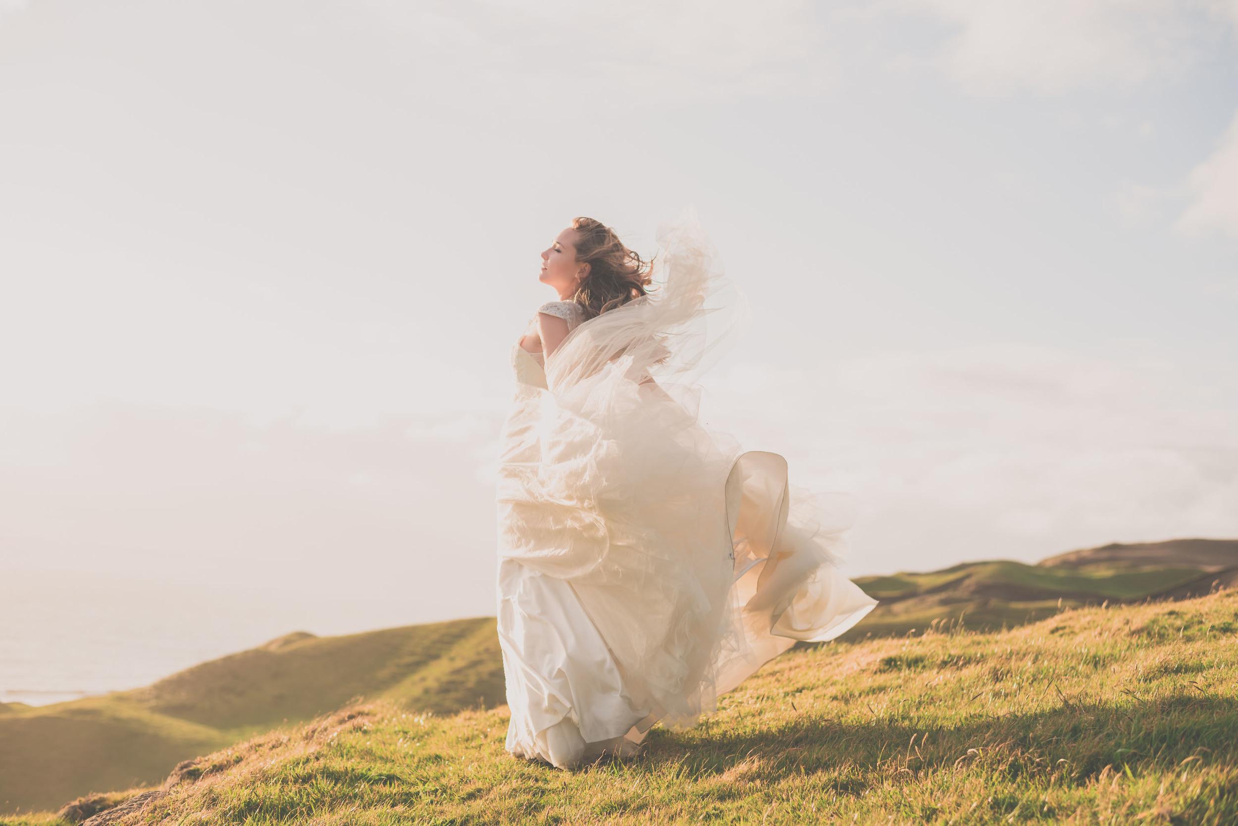 Best wedding photographers in New Zealand {Award-winning lifestyle photographer Levien & Lens photography} Iris