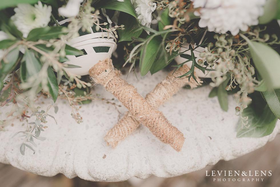flowers details St Margarets Cafe - Karaka {Auckland lifestyle wedding photographer}