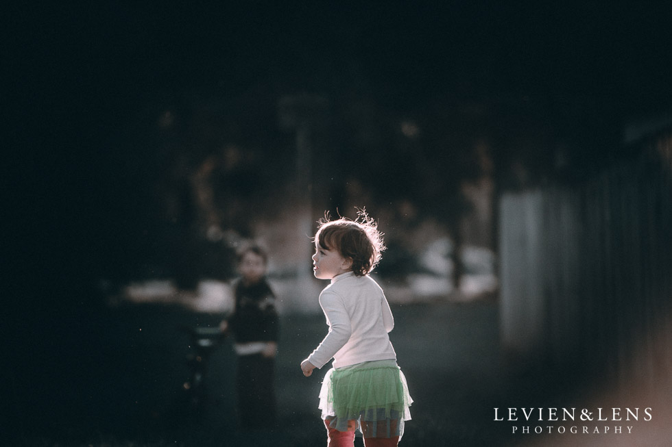 girl running - rim light August {Hamilton-Taupo lifestyle wedding photographer}