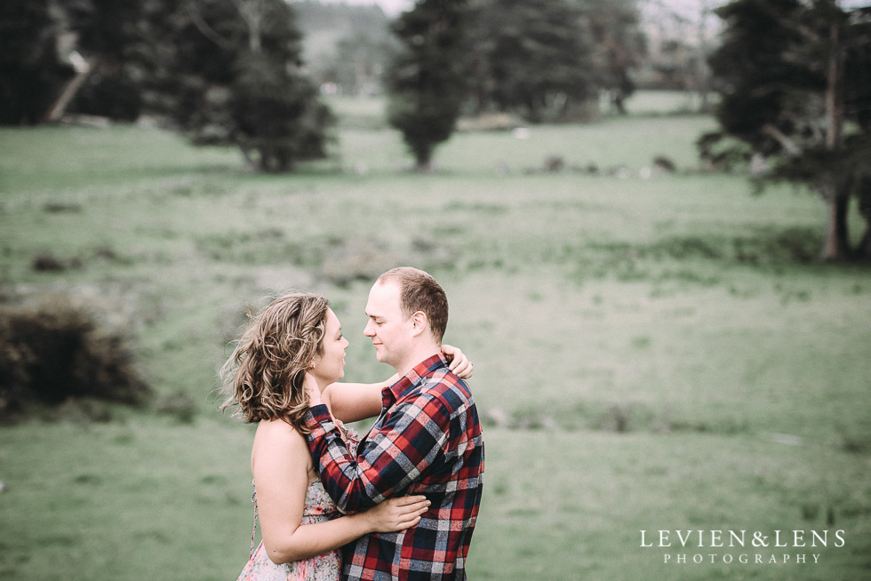 Kumeu farm engagement session {Auckland NZ wedding-couples photographer}