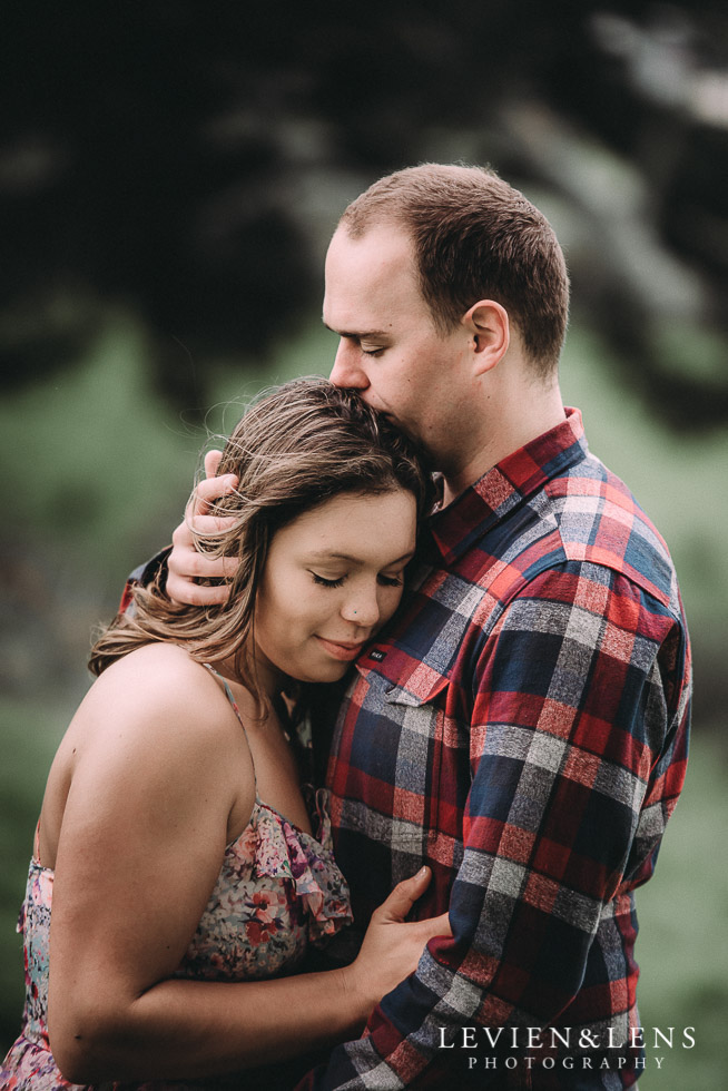Kumeu farm engagement session {Auckland NZ wedding-couples photographer} kiss