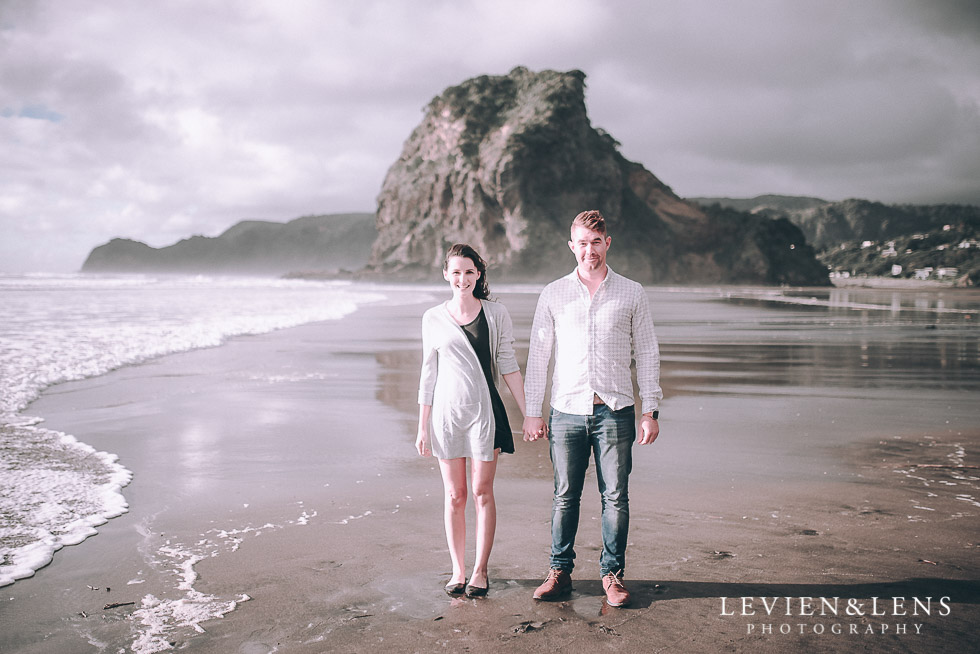 Piha Beach couples photo shoot {Auckland wedding-engagement photographer NZ}