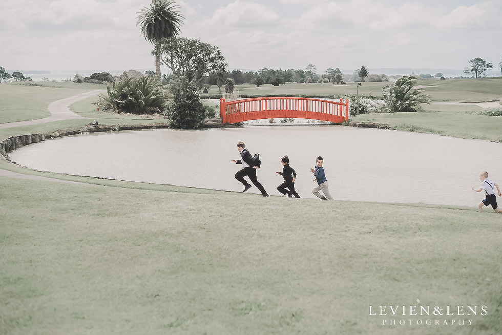 kids running on field - Formosa wedding Golf Resort {Auckland weddings photographer}