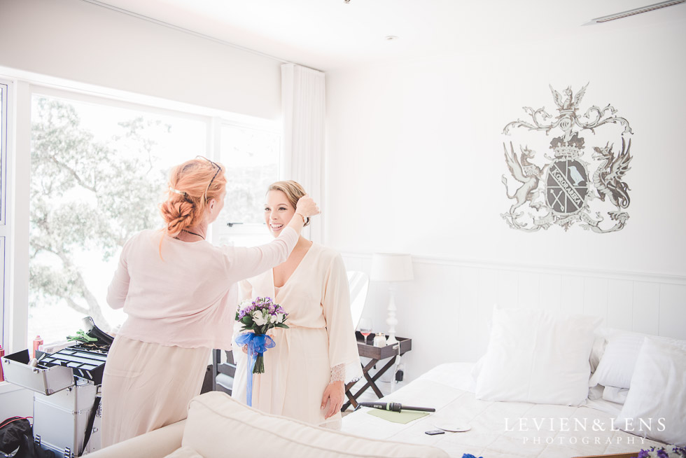 bride getting ready hair - The Duke of Marlborough Hotel - Russel wedding {Northland-New Zealand weddings photographer}