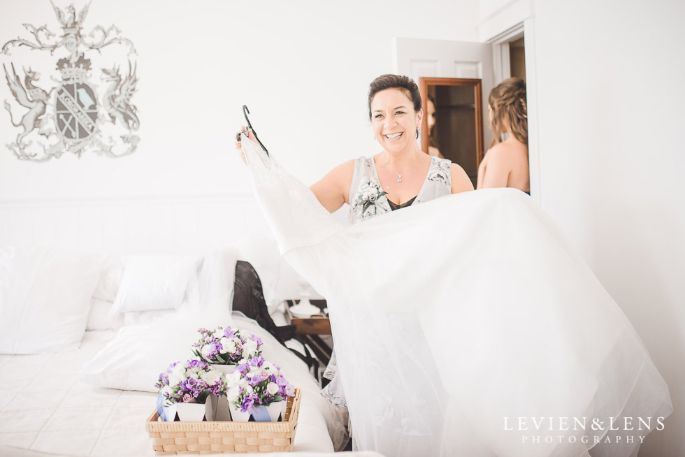 mother with brides dress - The Duke of Marlborough Hotel - Russel wedding {Northland-New Zealand weddings photographer}