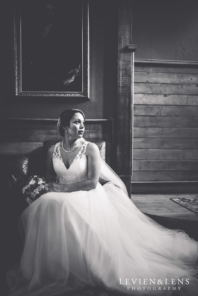 bride portrait - The Duke of Marlborough Hotel - Russel wedding {Northland-New Zealand weddings photographer}