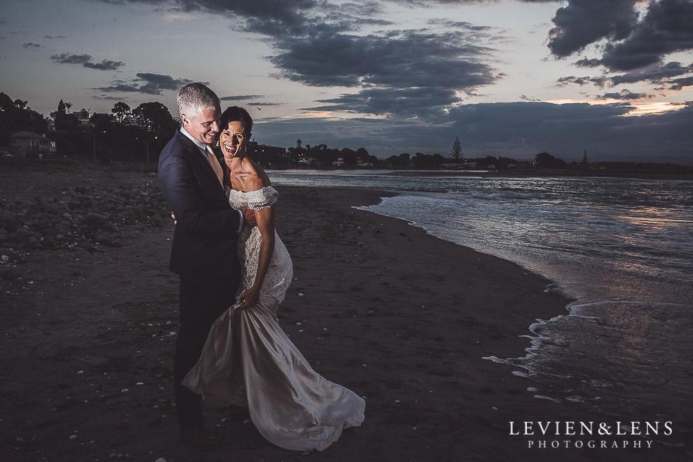 Chic Beach wedding published in Modern Weddings {Auckland-Hamilton-Tauranga NZ photographers}