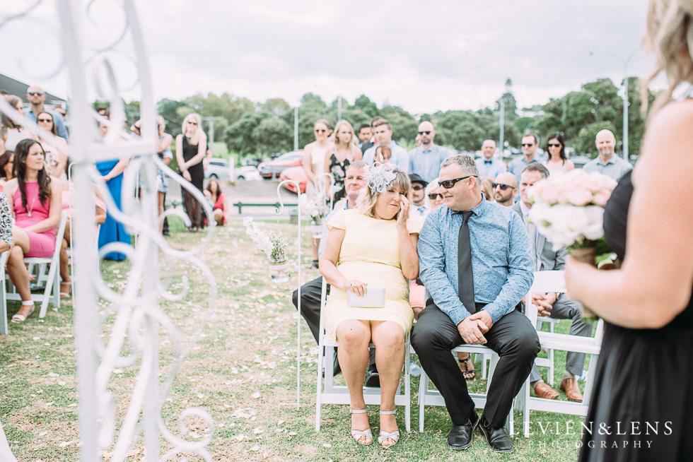 Beach wedding {Auckland - New Zealand destination weddings photographer}