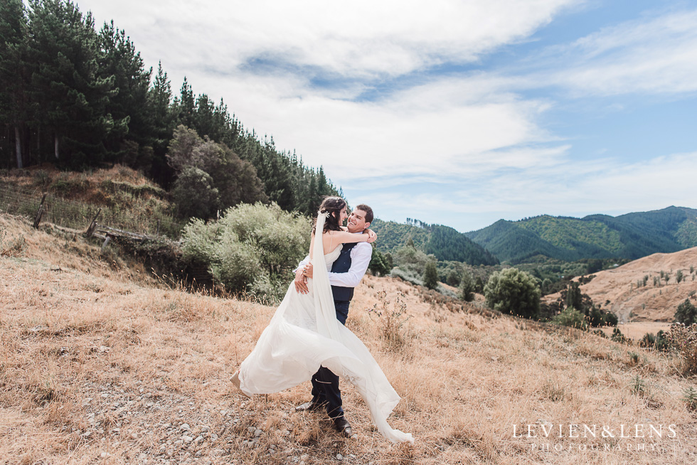 New Zealand and International wedding photographer - elopement