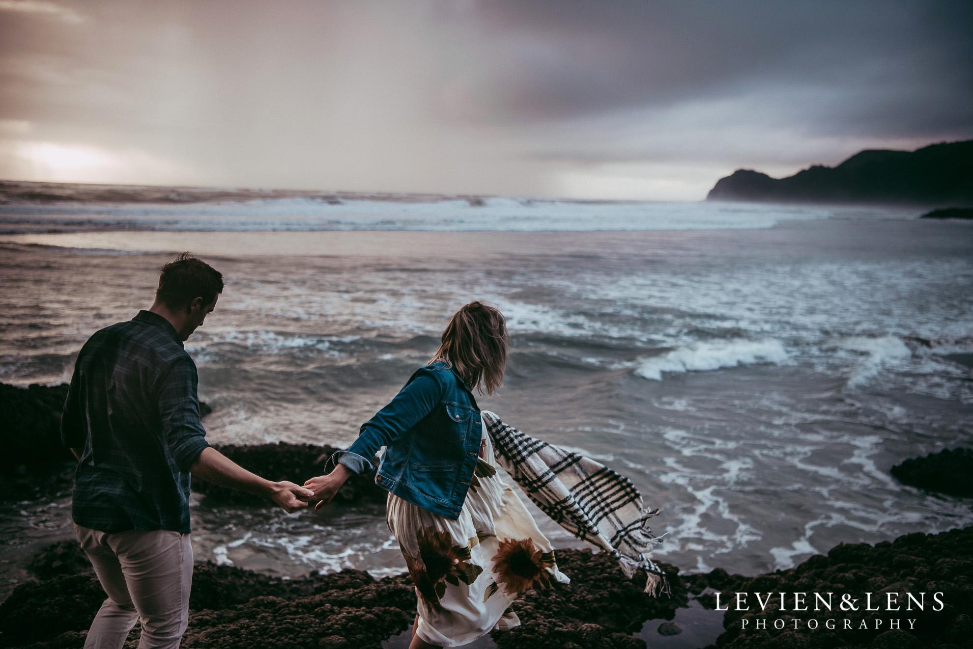 Piha beach pre-wedding engagement session {Auckland weddings photographers}