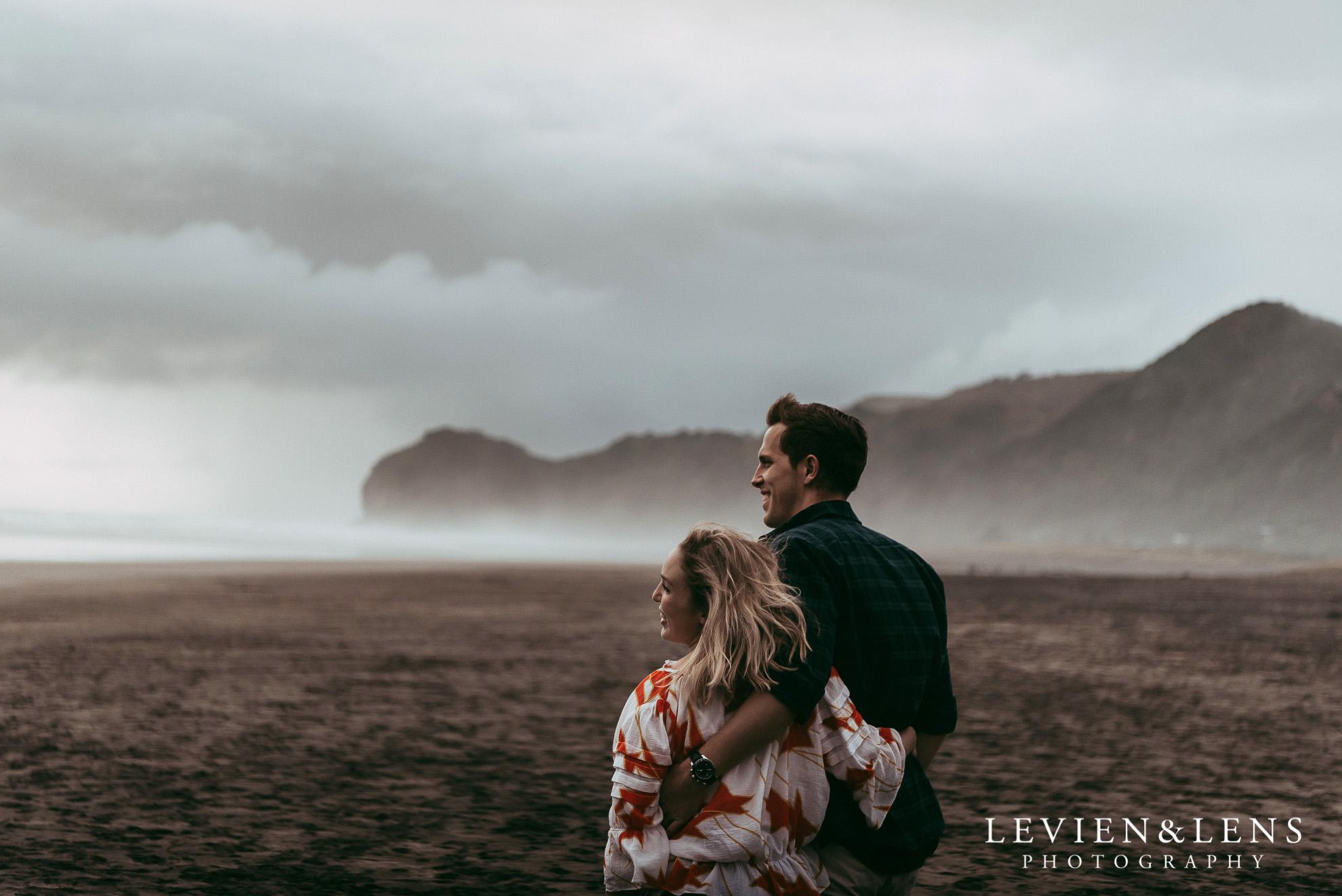 Piha beach pre-wedding engagement session {Auckland weddings photographer}