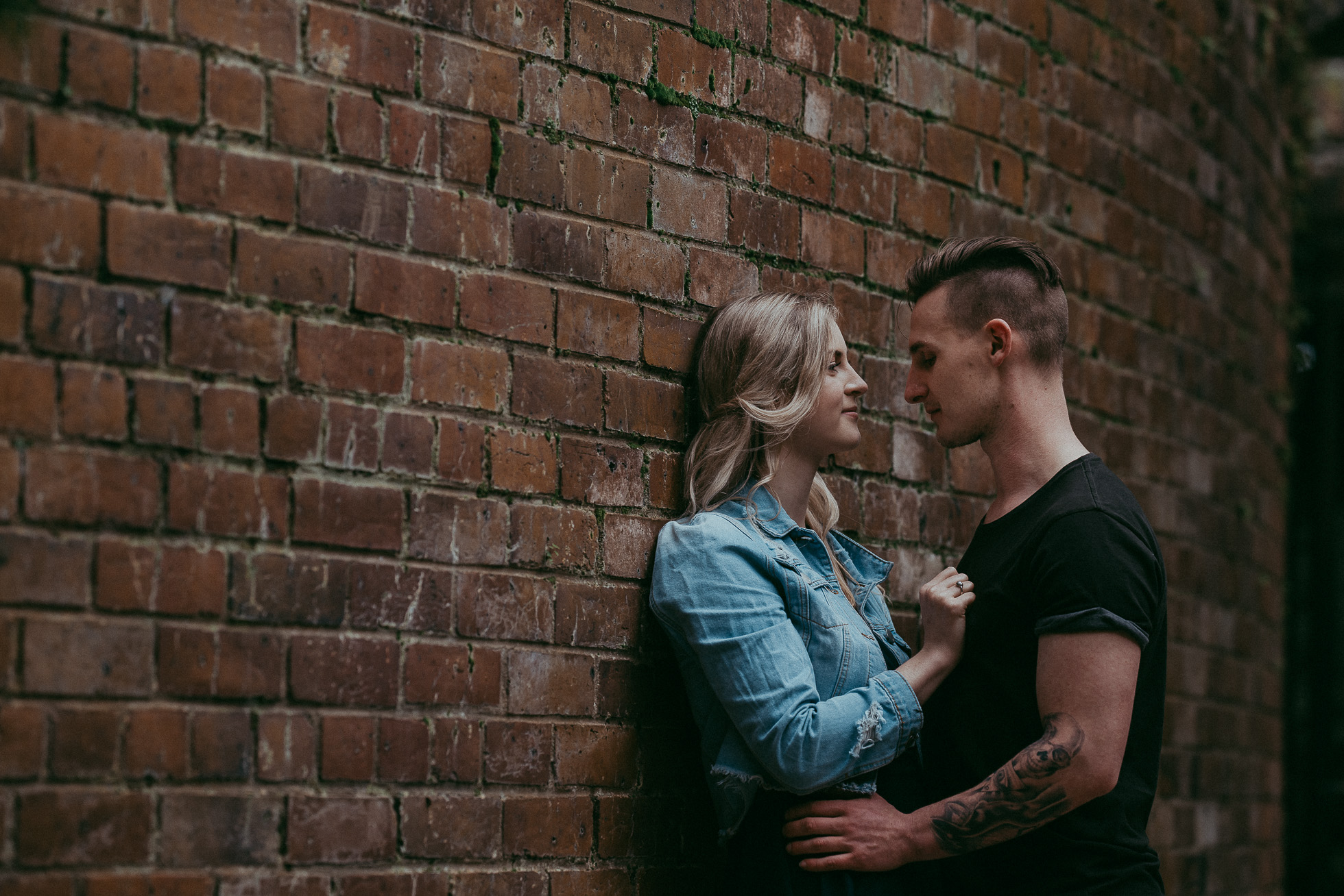 Couples photo shoot in Auckland Domain {New Zealand wedding photographers}