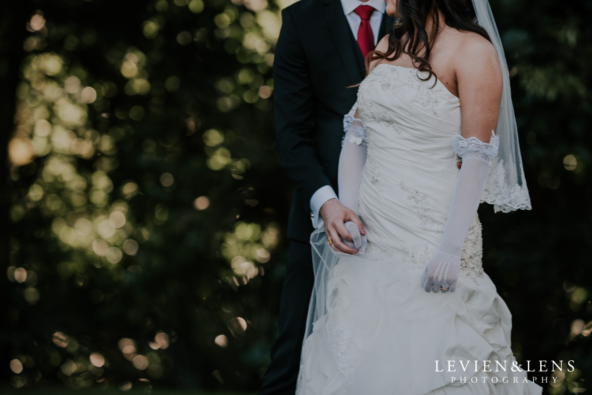 Waitakere Estate wedding {Auckland weddings photographers}