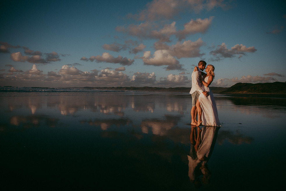 beach couples photography {Auckland engagement-wedding photographer}