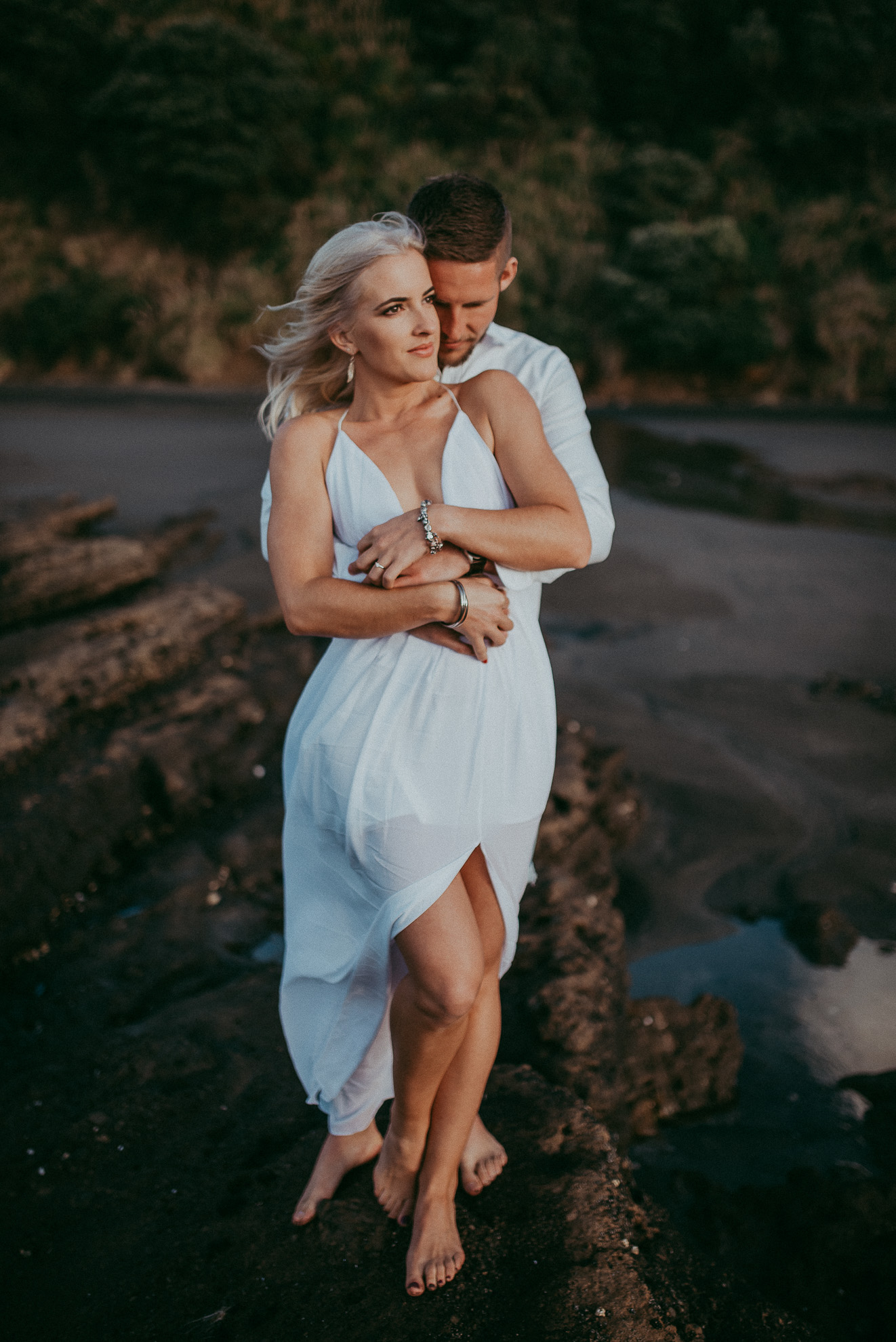RAGLAN BEACH PRE-WEDDING ENGAGEMENT SESSION {AUCKLAND-WAIKATO WEDDING PHOTOGRAPHER}