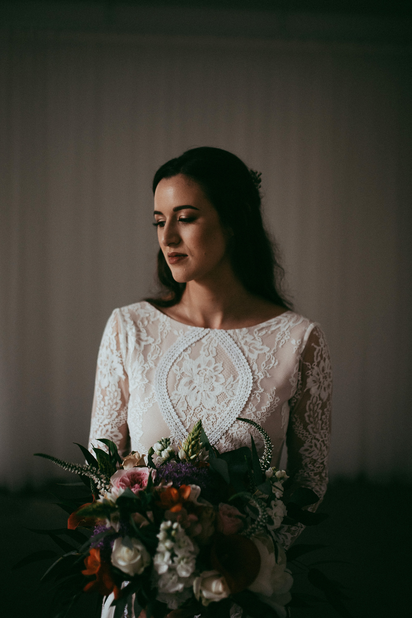 Kumeu wedding photographers - bridal portraiture - West Auckland