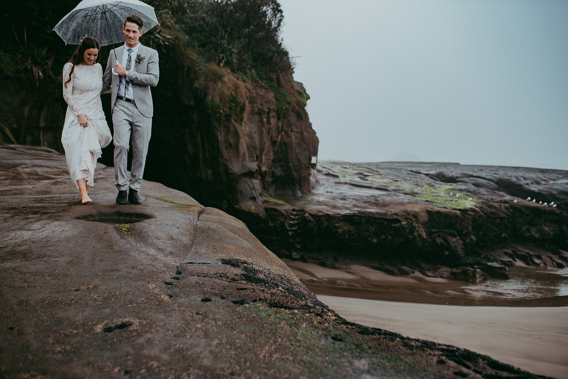 The Hunting Lodge - Muriwai Beach - Kumeu wedding - HU's Art Farm {Weddings photographers in West Auckland, New Zealand}