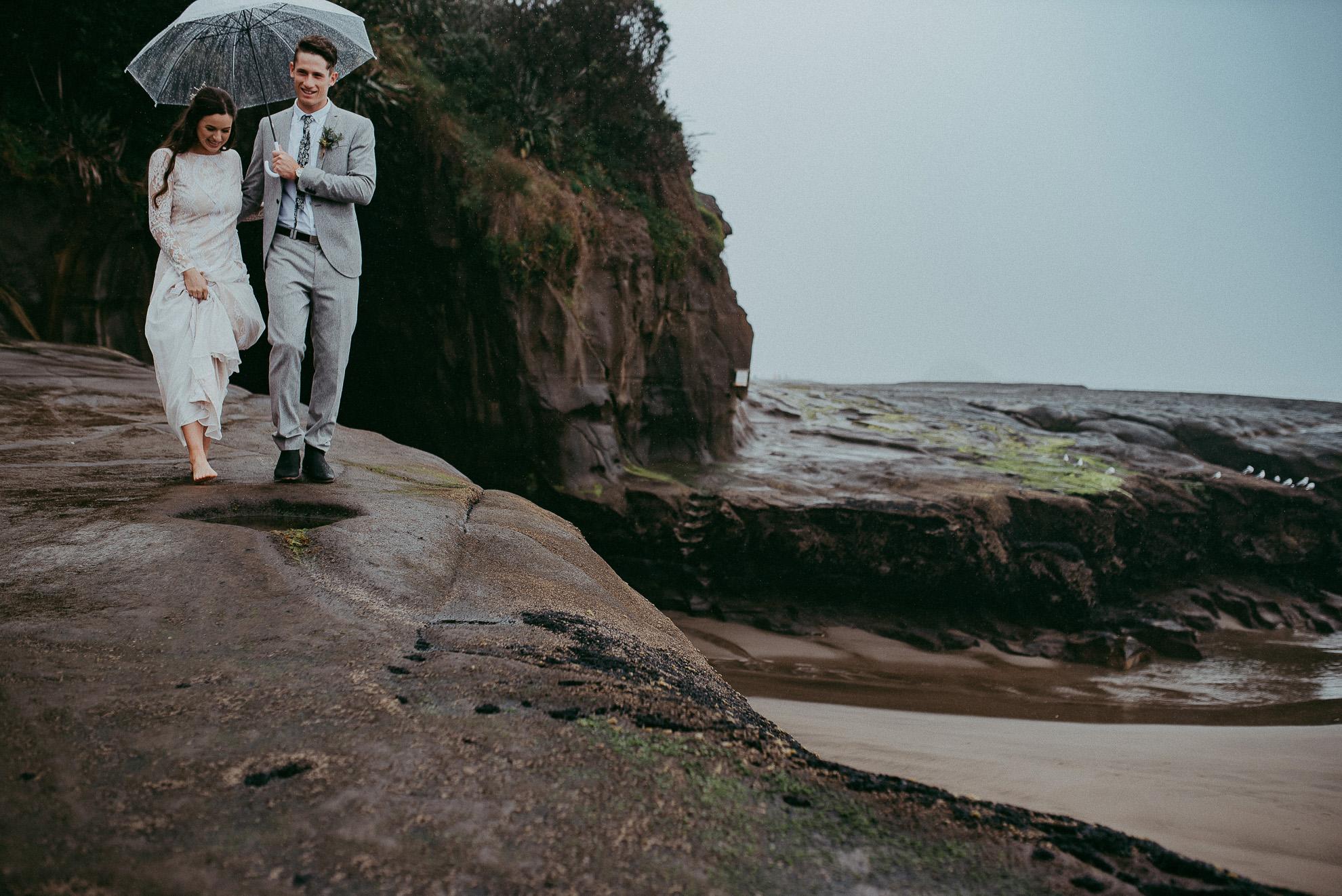 The Hunting Lodge - Muriwai Beach - Kumeu wedding - HU's Art Farm {Weddings photographers in West Auckland, New Zealand}