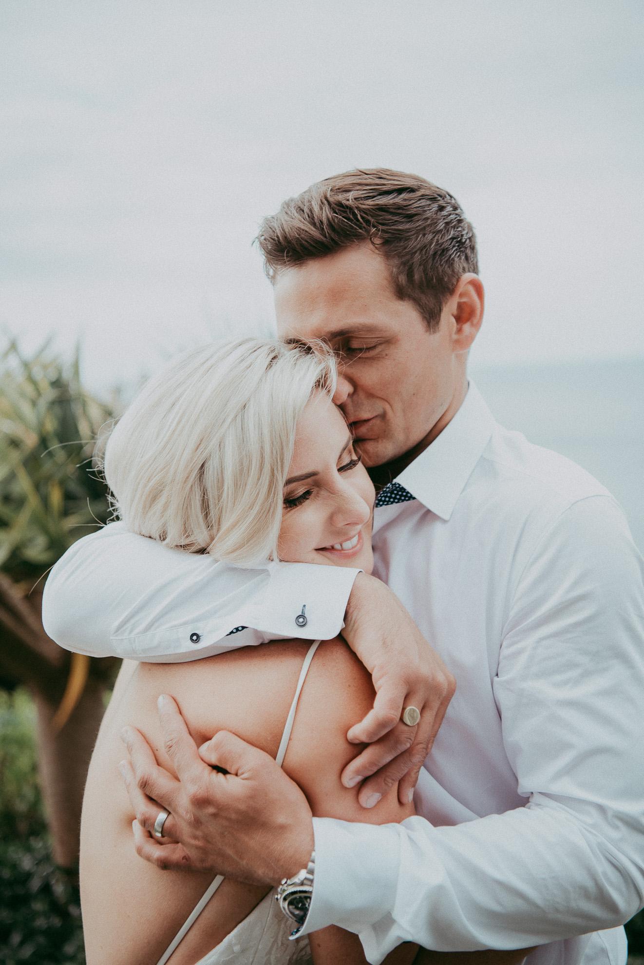 Waiheke beach wedding - Auckland wedding photographers