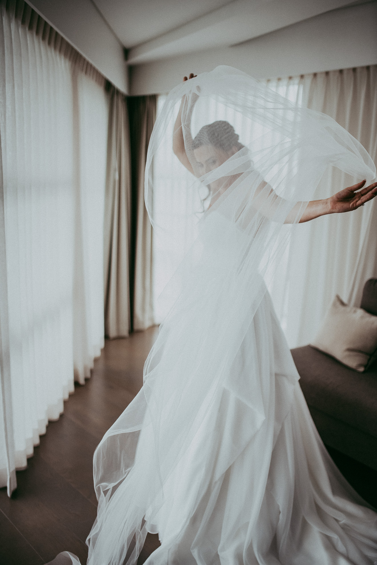 bride getting ready - under the veil {Auckalnd wedding photographers} Hilton