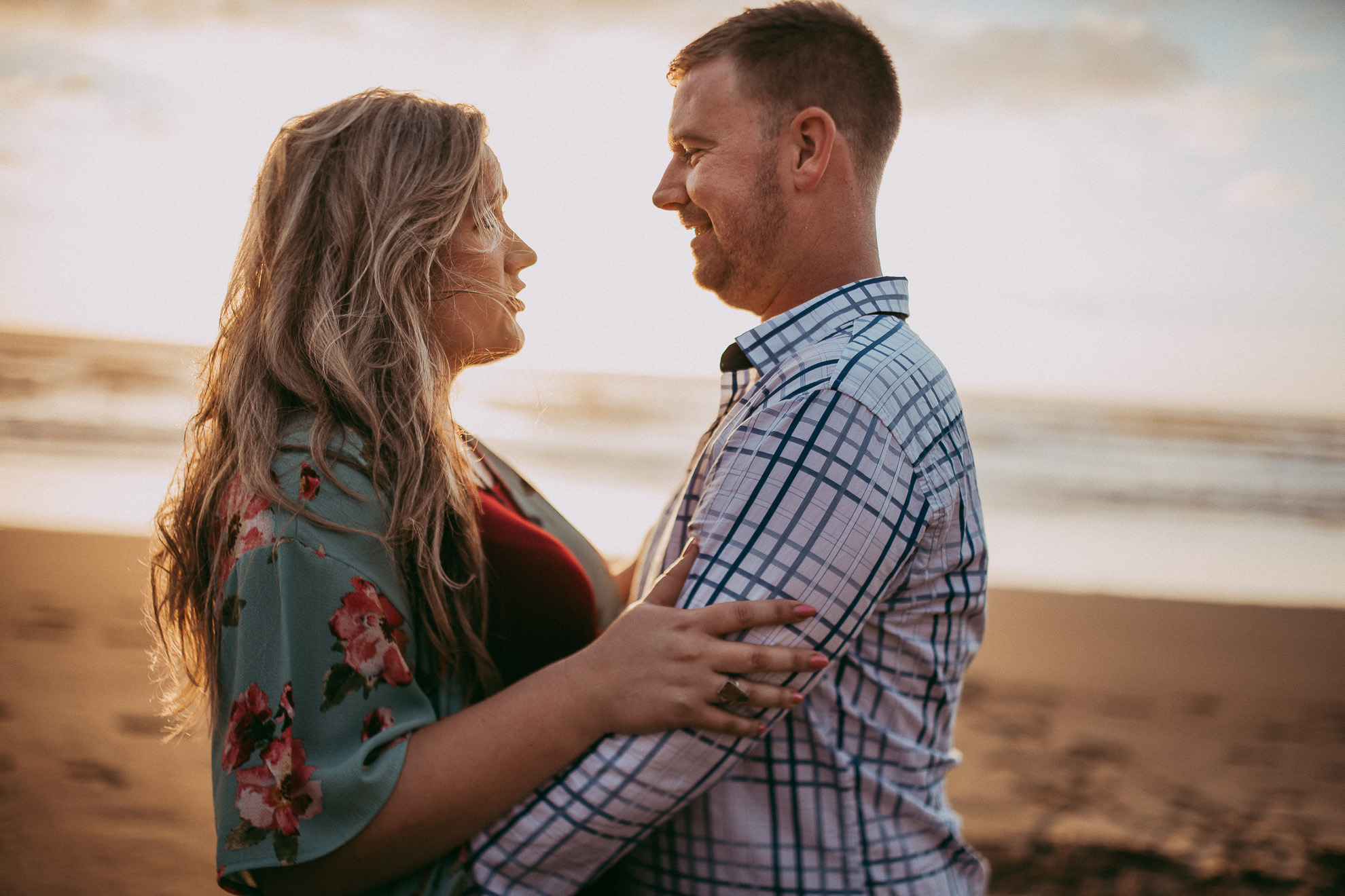 Karekare Beach engagement | pre-wedding session {West Auckland wedding photographer}