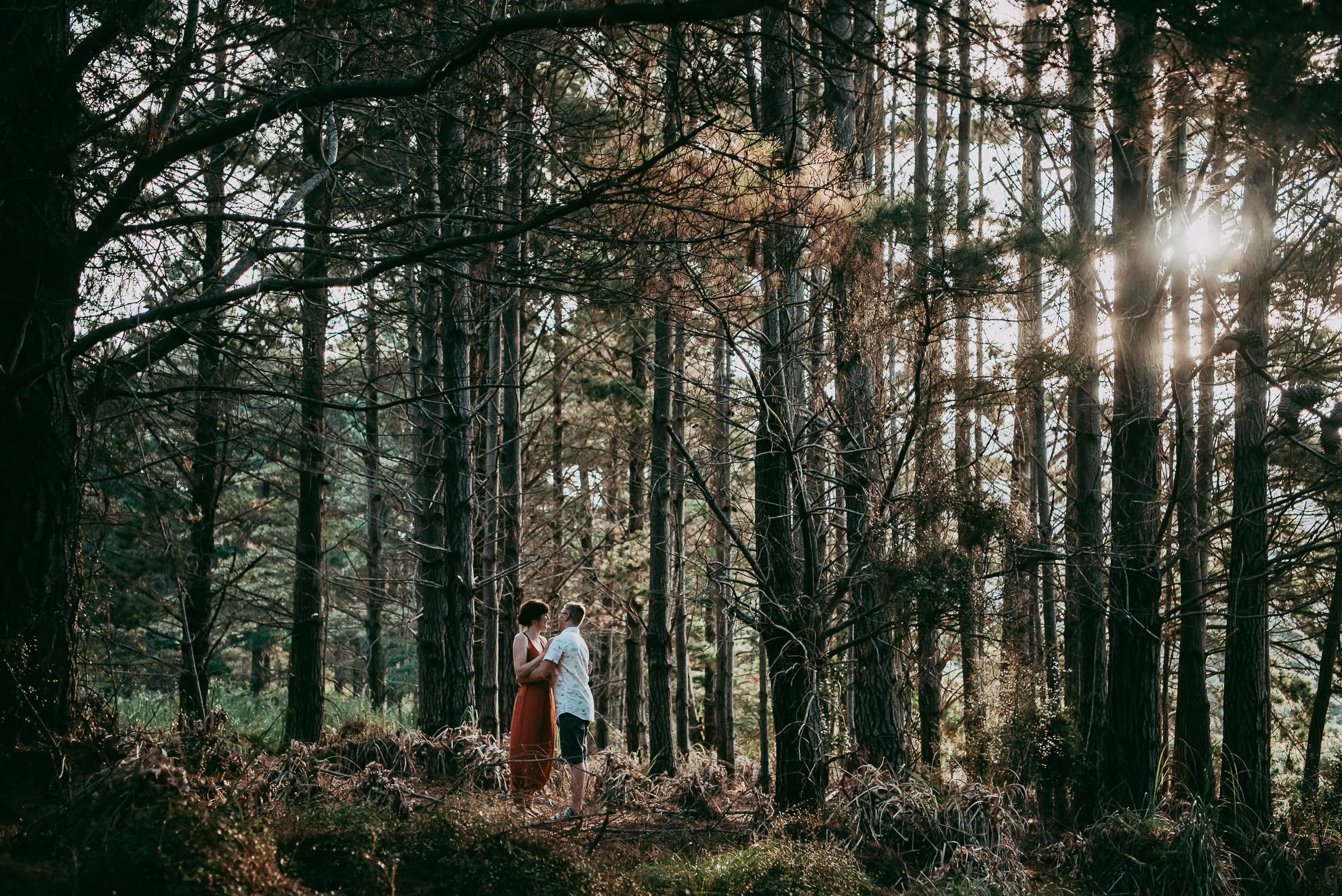 Bethells Lake {West Auckland} engagement | pre-wedding photo shoot {New Zealand weddings photographers} forest capture