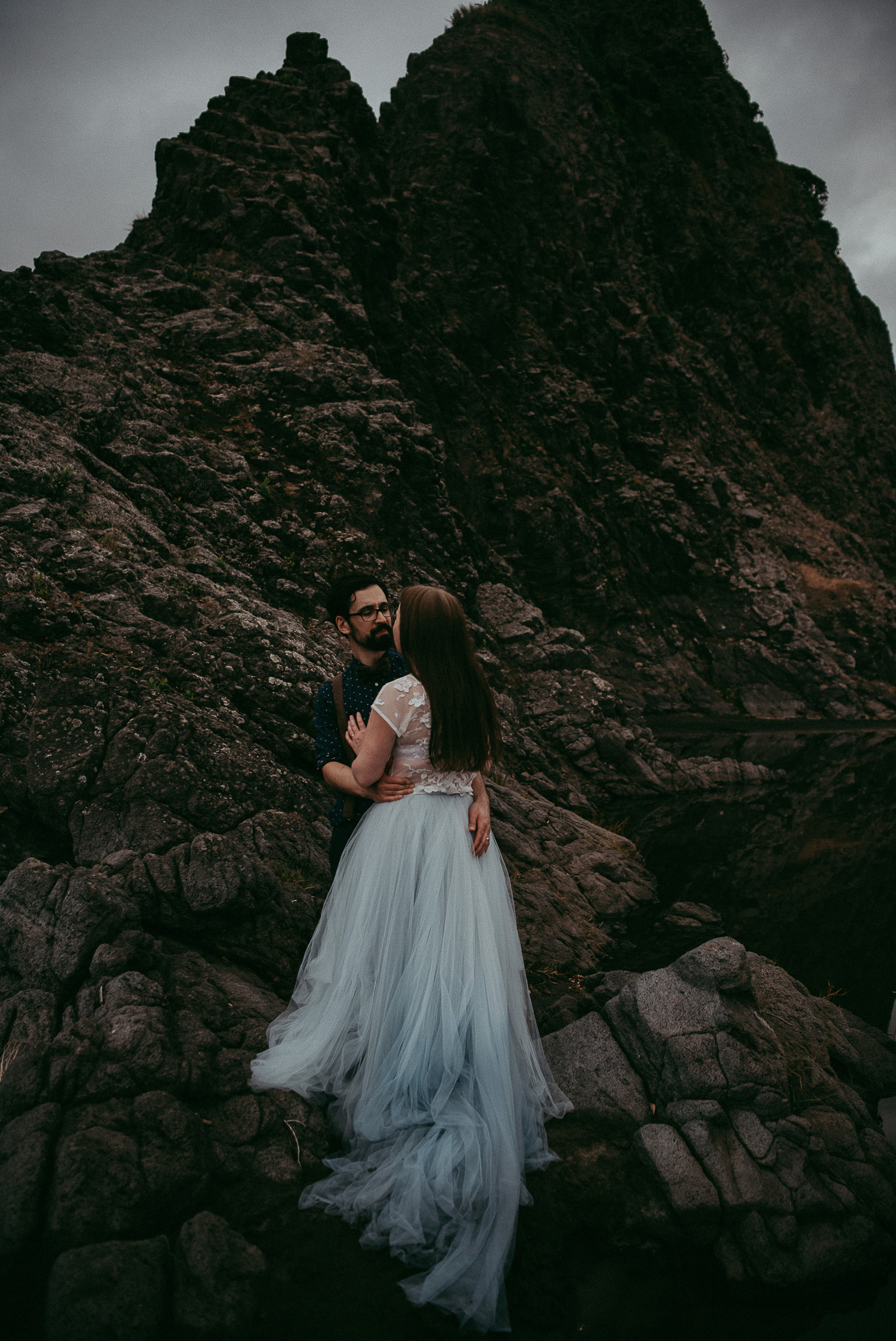 New Zealand beach elopement by Levien & Lens photography | Auckland wedding photographers
