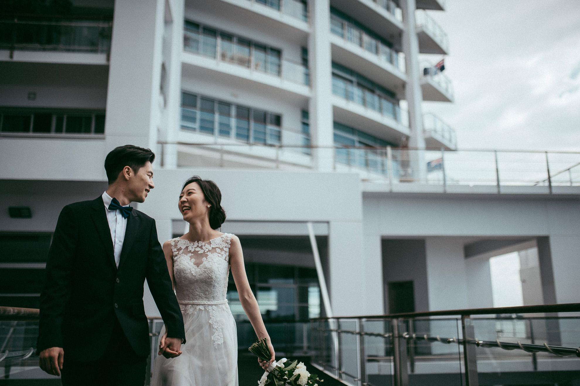 Hilton - Fish Restaurant wedding {Auckland City - New Zealand weddings photographer}
