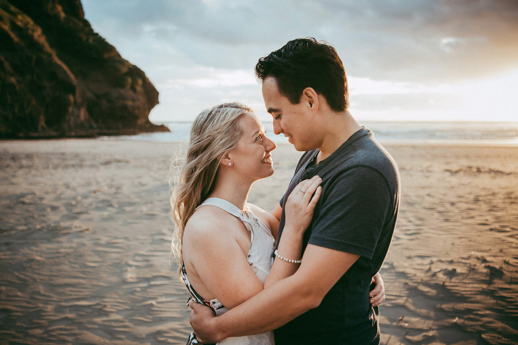 Piha Beach engagement session {Auckland pre-wedding photographer}