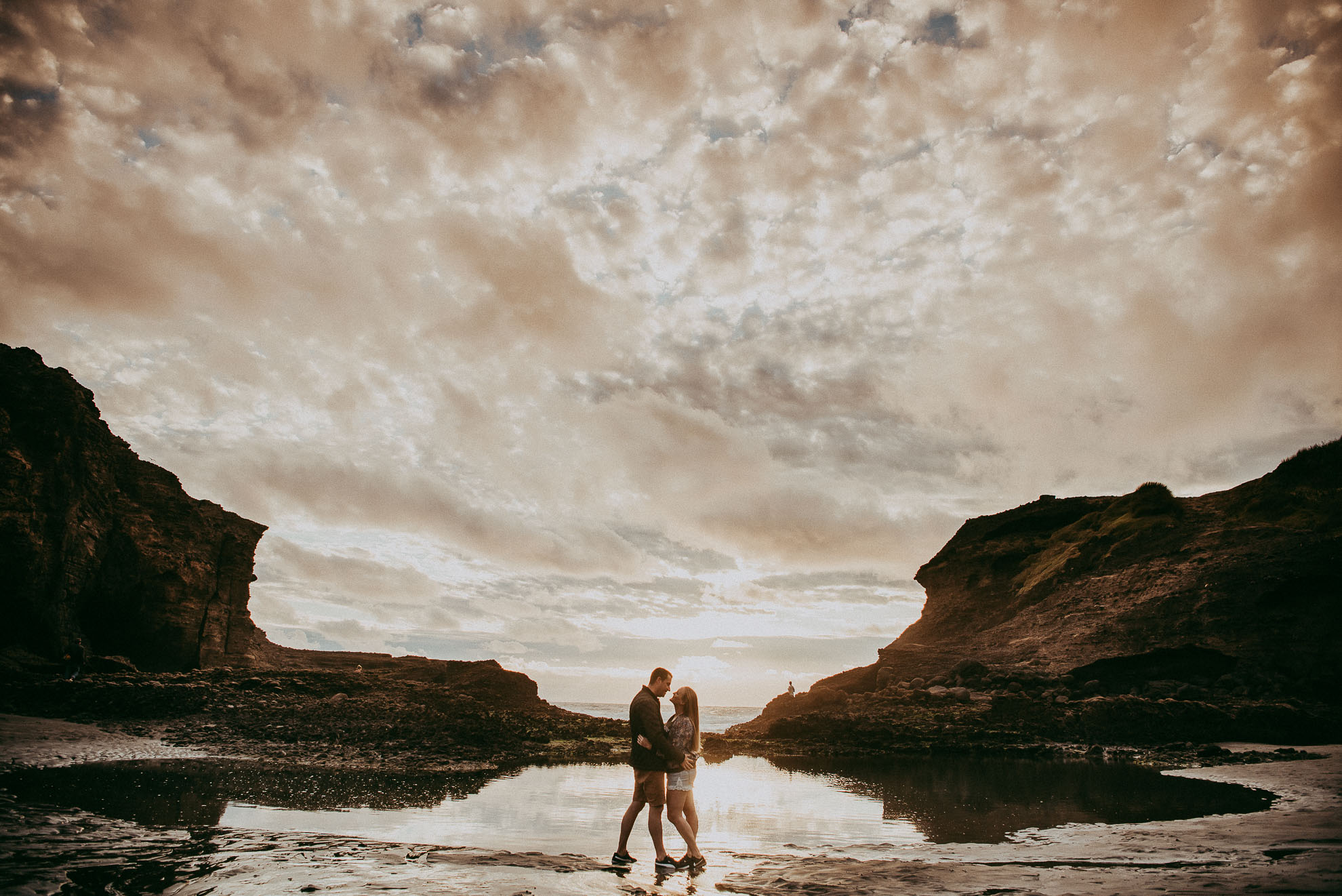 Engagement photo shoot - Piha BEACH {New Zealand pre-wedding photographer}