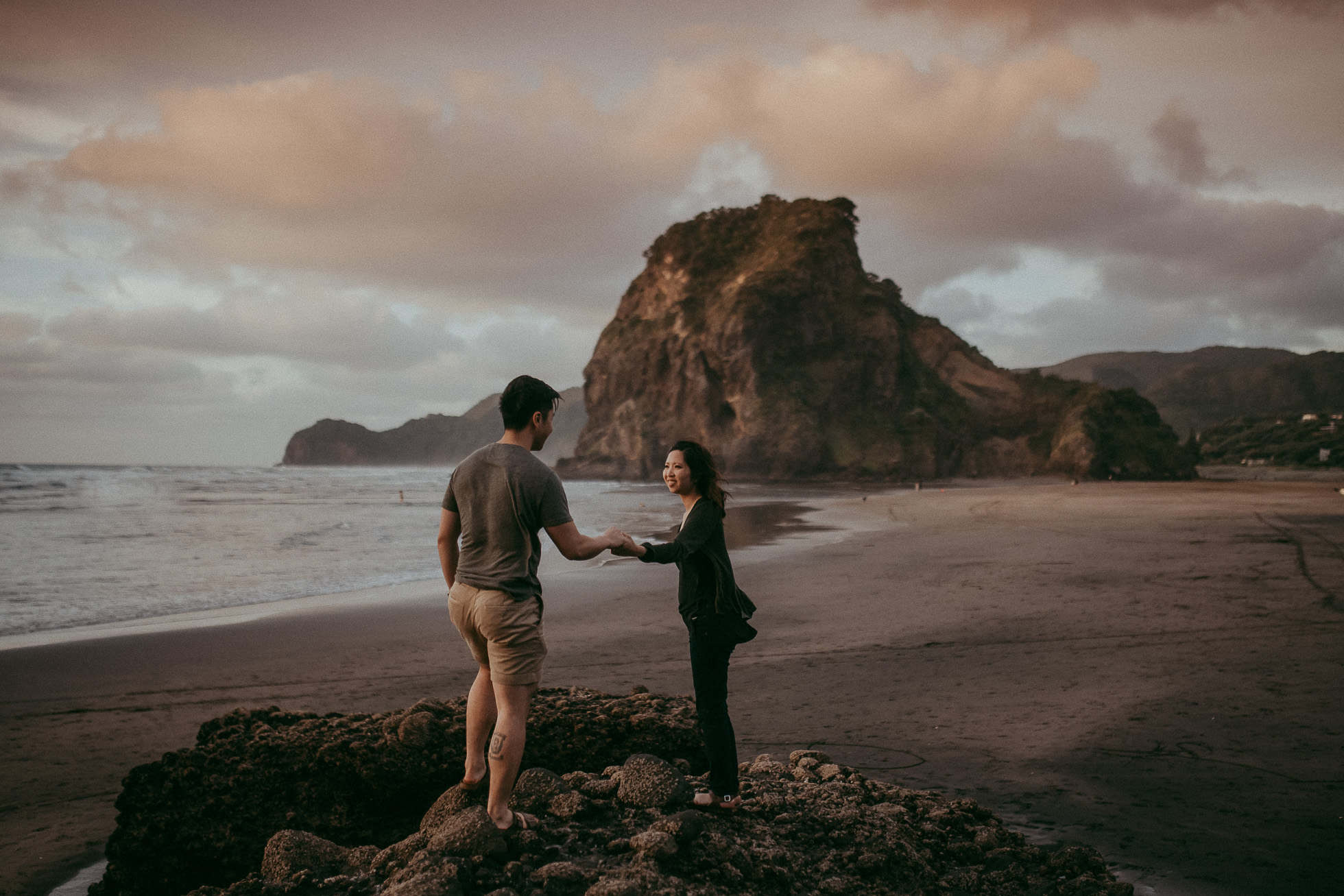 West Auckland engagement | pre-wedding session - NZ photographers