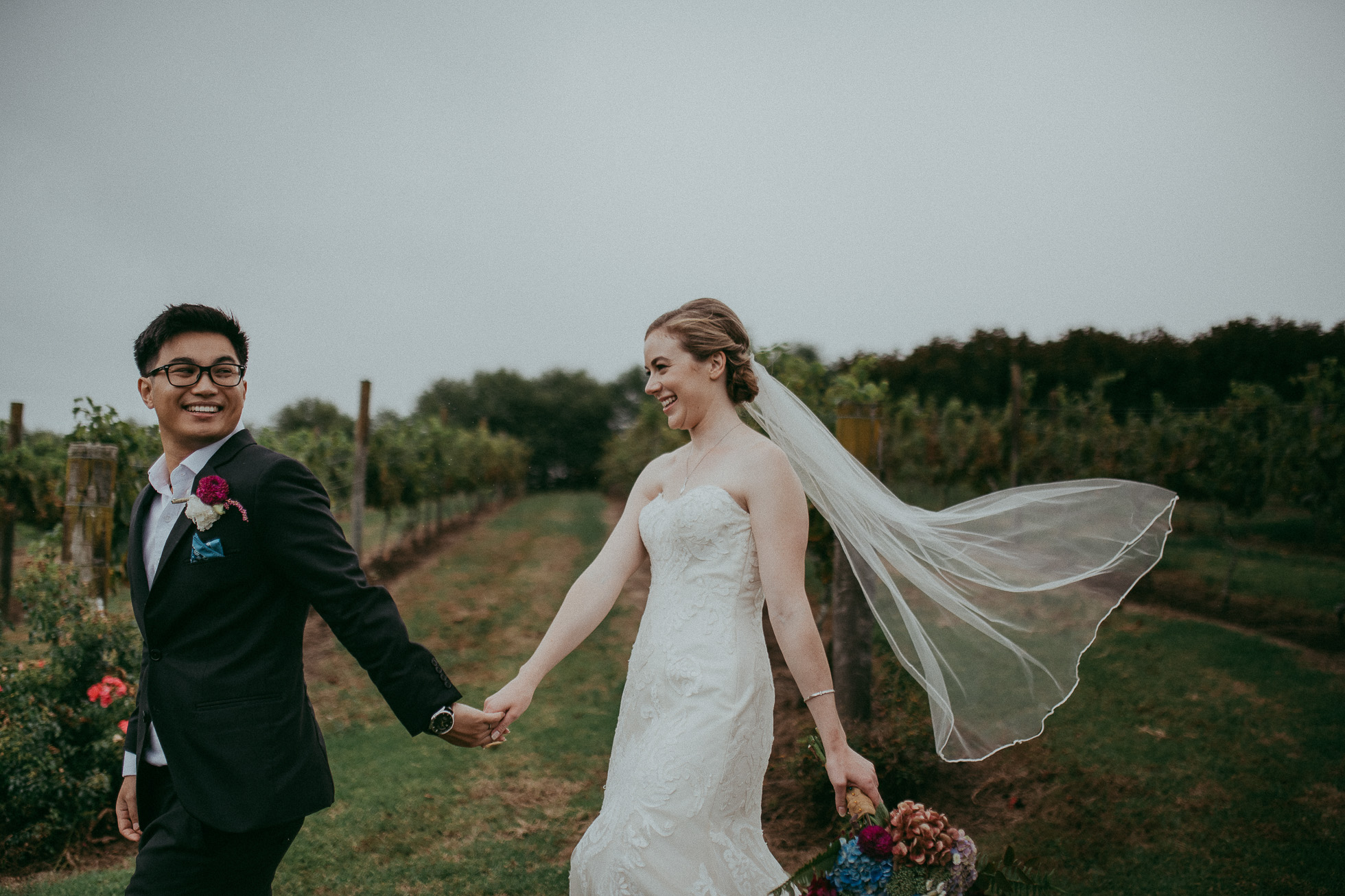 elegant vineyard wedding - wedding photographers in Auckland