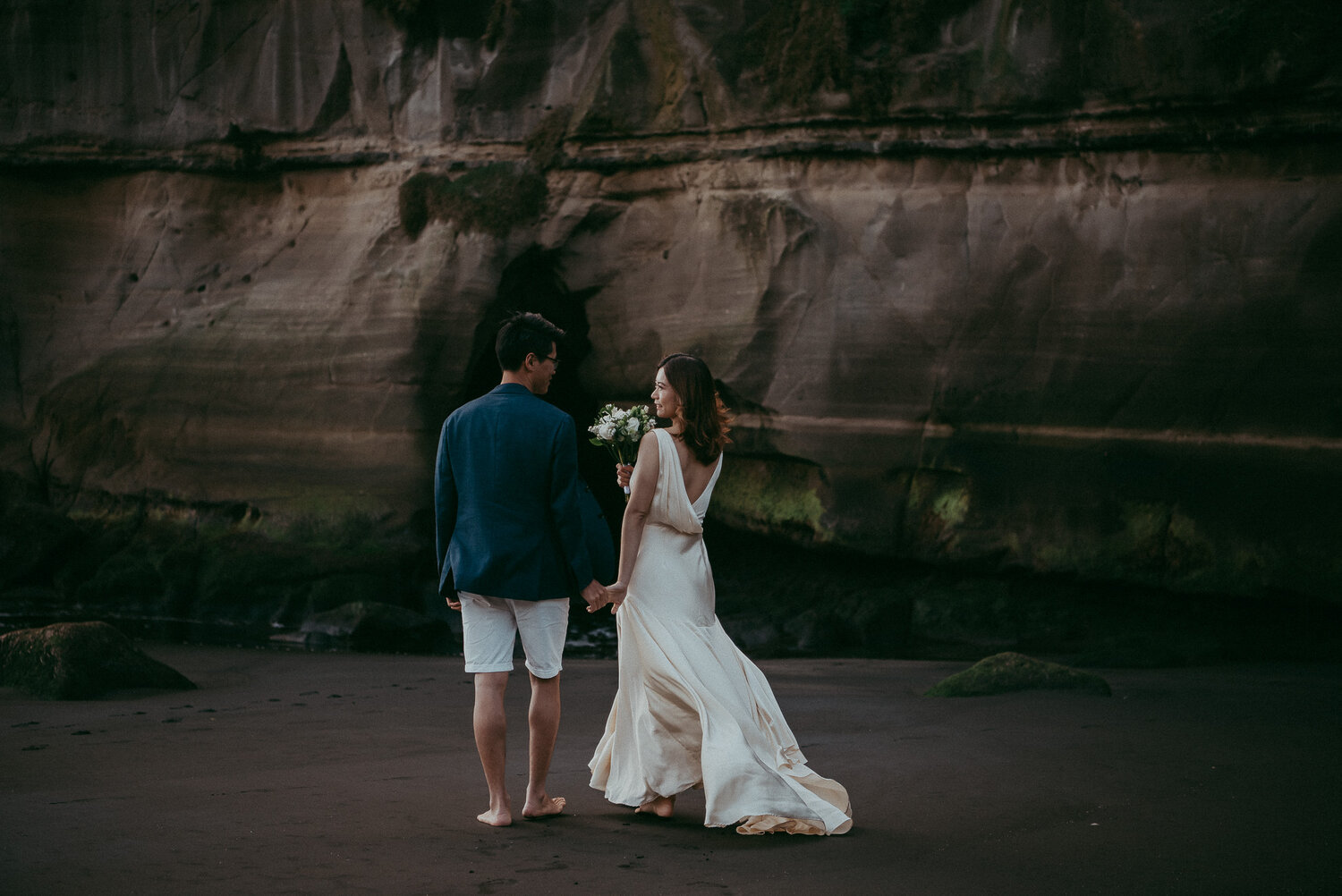 Forest + Beach Pre-wedding photo shoot {Auckland engagement photographer}