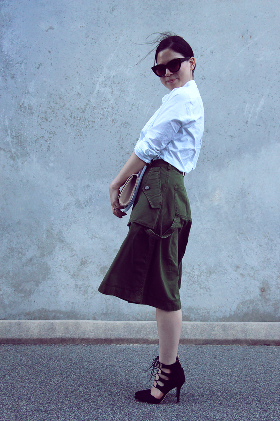 Marc by Marc Jacob A-Line cottonskirt  ,  ZU 'Talkabout' heels  and  'Idol' clutch  ,  Country Road  tuxedo shirt.