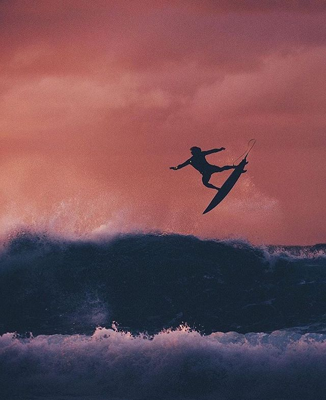 Cotton candy evenings @jackfreestone by @corey_wilson . . . . #swell #wave #waves #ocean #sea #barrel #coast #shore #surfer #surf #surfing #surfart #photo #Photography #photographer #naturephotography #nature #hell  #paradise #view #surfphoto #surfphotography #wild #goldenhour #golden #landscape #dayslikethese #jackfreestone #evening