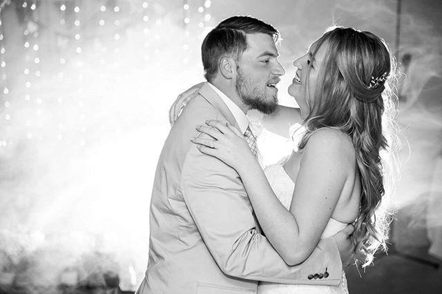 Happy 1st anniversary darlimg @shereewettstein &  Oliver! I wish you many more happy years to come 💜 📷 @jcclick  #wedding #bushveld #anniversary #love #happiness  #happilyeverafter #thewettsteins #winterwedding